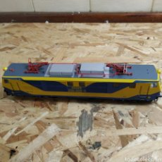 Trenes Escala: VITRINA H0 LOCOMOTORA 250 006 4. Lote 180964117
