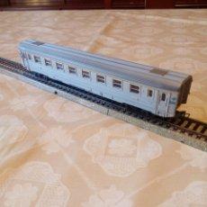 Trenes Escala: MARKLIN H0 VAGÓN PASAJEROS 1027 CON ASIENTOS. Lote 194212230