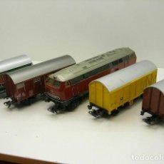 Trenes Escala: LOCOMOTORA Y CUATRO VAGONES. Lote 194705487
