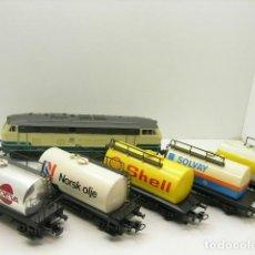 Trenes Escala: LOCOMOTORA Y CINCO VAGONES. Lote 194711682