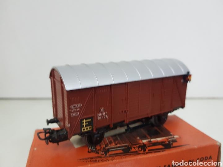 MARKLIN 4506 VAGÓN DE MERCANCÍAS DE PLÁSTICO CON LUZ DE COLOR MARRÓN Y 11 CM CORRIENTE ALTERNA (Juguetes - Trenes a Escala - Marklin H0)