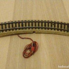 Trenes Escala: TRAMO VIA CURVA CON CABLES DE 50 CM. MARKLIN HO 5103 - 18 CM. 1/1 - CON BORNES. Lote 196191107