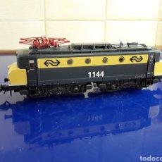 Trenes Escala: LOCOMOTORA MARKLIN ELÉCTRICA HOLANDESA H0. Lote 199191410