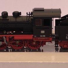 Trenes Escala: MARKLIN H0 LOCOMOTORA VAPOR CON TINDER ALTERNA REFERENCIA 36240. Lote 205197796
