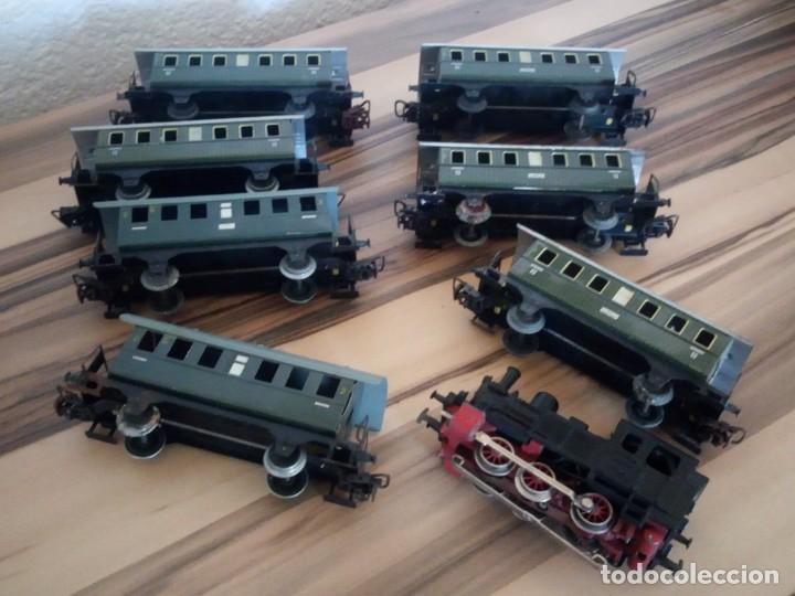 TREN MARKLIN 3029,LOCOMOTORA Y 7 VAGONES HOJALATA MAQUINA DE METAL 1960,W GERMANY (Juguetes - Trenes a Escala - Marklin H0)