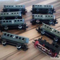 Trenes Escala: TREN MARKLIN 3029,LOCOMOTORA Y 7 VAGONES HOJALATA MAQUINA DE METAL 1960,W GERMANY. Lote 210538563