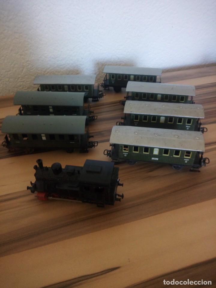 Trenes Escala: Tren marklin 3029,locomotora y 7 vagones hojalata maquina de metal 1960,w germany - Foto 2 - 210538563