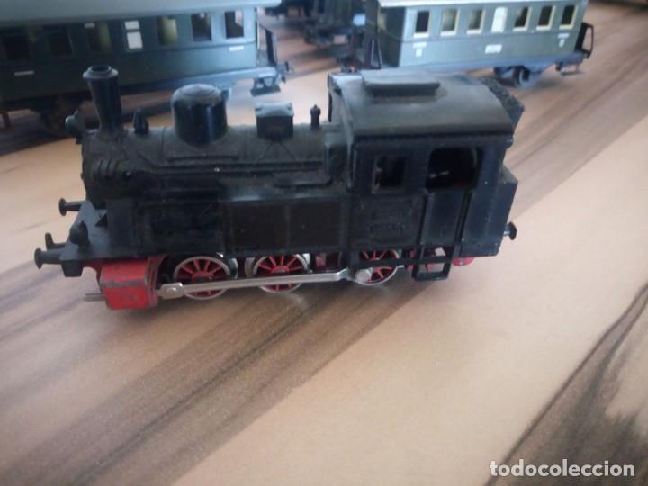 Trenes Escala: Tren marklin 3029,locomotora y 7 vagones hojalata maquina de metal 1960,w germany - Foto 4 - 210538563