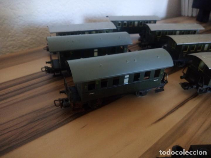 Trenes Escala: Tren marklin 3029,locomotora y 7 vagones hojalata maquina de metal 1960,w germany - Foto 5 - 210538563
