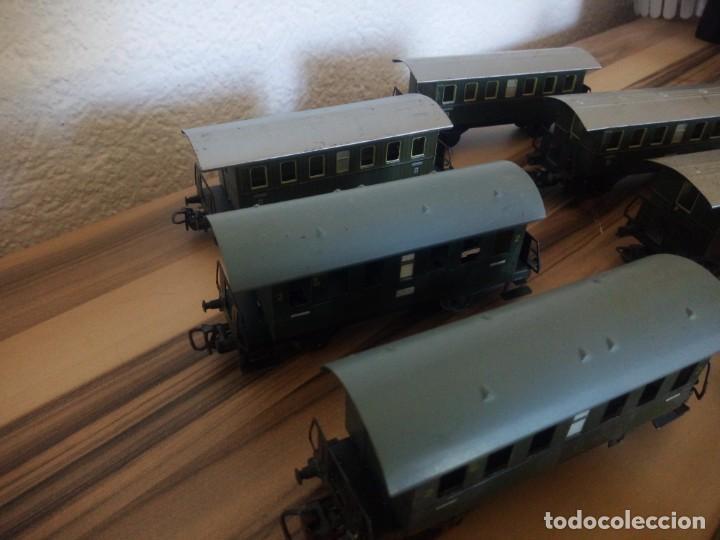 Trenes Escala: Tren marklin 3029,locomotora y 7 vagones hojalata maquina de metal 1960,w germany - Foto 6 - 210538563