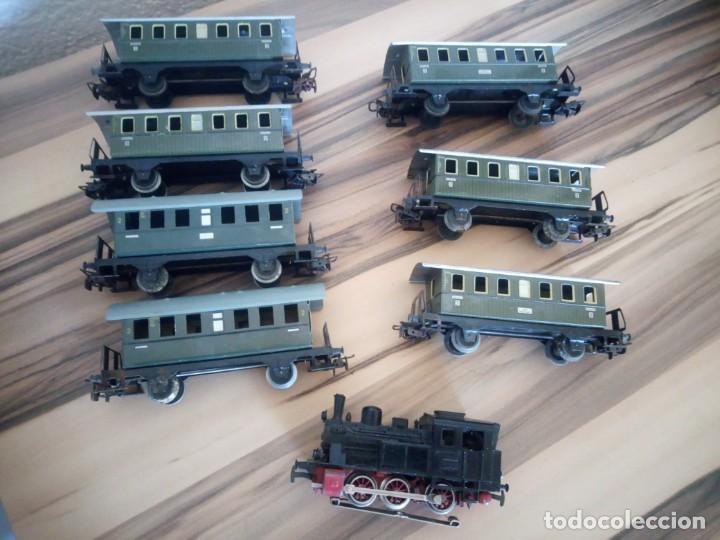 Trenes Escala: Tren marklin 3029,locomotora y 7 vagones hojalata maquina de metal 1960,w germany - Foto 8 - 210538563