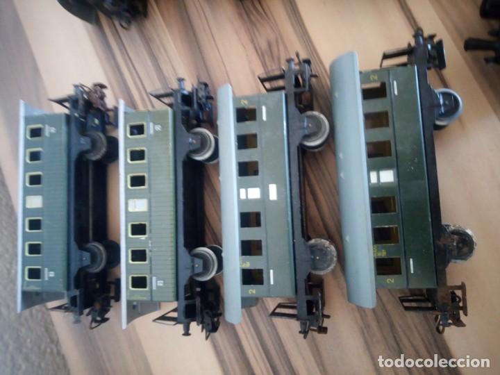 Trenes Escala: Tren marklin 3029,locomotora y 7 vagones hojalata maquina de metal 1960,w germany - Foto 9 - 210538563