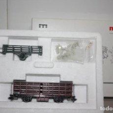 Trenes Escala: ANTIGUA A ESTRENAR CAJA CON VAGÓN Y CARRO DE MARKLIN.. Lote 215132072