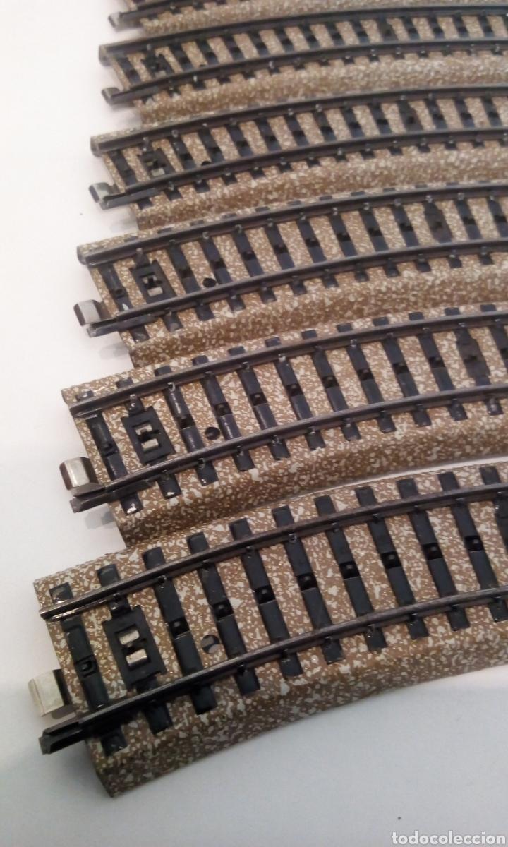 Trenes Escala: JIFFY VENDE 8 VIAS M MARKLIN 5120 H0. LOTE RED03. CON ESTAS 8 VÍAS SE FORMA UN CÍRCULO COMPLETO. - Foto 2 - 226010818