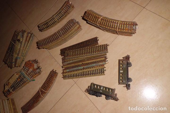 Trenes Escala: GRAN LOTE DE VIAS MARKLIN HO Y DOS VAGONES - AÑOS 70, 81 PIEZAS. - Foto 5 - 227829810