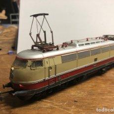 Trenes Escala: LOCOMOTORA MARKLIN H0 3035 FUNCIONANDO SIN CAJA. Lote 230065595