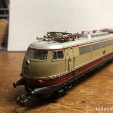 Trenes Escala: LOCOMOTORA MARKLIN H0 3035 FUNCIONANDO SIN CAJA. Lote 230066860