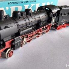 Trenes Escala: MARKLIN HAMO CORRIENTE CONTINUA. LOCOMOTORA VAPOR REF 8398.CON LUZ,FUNCIONA.VÁLIDA IBERTREN,ROCO,ETC. Lote 243187915