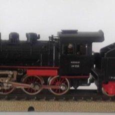 Trenes Escala: LOCOMOTORA DE VAPOR MÄRKLIN H0 3003 FM 800 BR 24058 CON TÉNDER FM 809, ENVIO 5,80 EUROS, X15. Lote 244797400