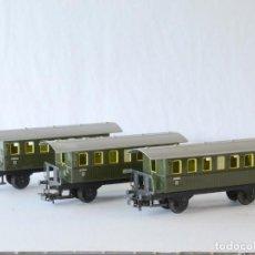 Trenes Escala: MÄRKLIN ESCALA H0 1:87 LOTE DE 3 VAGONES DE PASAJEROS DE 2 EJES 4040 CON CAJA. Lote 244856365