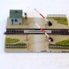 Trenes Escala: MÄRKLIN ESCALA H0 1:87 PASO A NIVEL. Lote 244916425