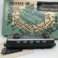 Trenes Escala: MAQUINA TREN LOCOMOTORA ELECTRICA BAUSATZ MARKLIN ESCALA H0 MODELO 3937 CON MANUAL Y CAJA. Lote 249484215