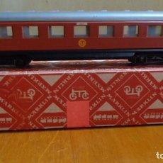 Trenes Escala: MARKLIN - H0 - COCHE DE PASAJEROS ART.4020 SUECO (1957).MAS BIEN QUERIDO. CAJA ORIGINAL - ILUMINADA. Lote 255305405