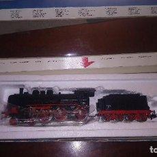 Trenes Escala: LOCOMOTORA ALEMANA BR 38. 2-3-0 MÄRKLIN H0, CON CAJA ORIGINAL. CORRIENTE ALTERNA. Lote 255384275
