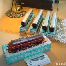 Trenes Escala: MARKLIN. TREN CON LOCOMOTORA 3068 Y VAGONES 4X4045. Lote 255986410