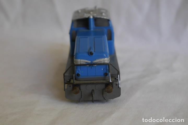 Trenes Escala: Locomotora diesel Marklin Henschel DHG 500 Escala H0 - Foto 3 - 287991923