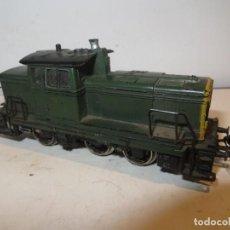Trenes Escala: MARKLIN RARA LOCOMOTORA MARKLIN H0 3069 V60 260 DE MANIOBRAS V 60,VERDE RENFE,FUNCIONANDO,BARATA. Lote 288395713