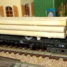 Trenes Escala: PLATAFORMA LARGA, CON CARGA DE TRONCOS. Lote 95546987