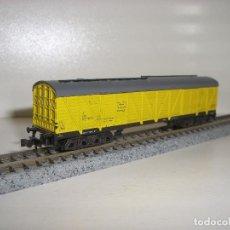 Trenes Escala: MINITRIX N FURGON CERRADO 4 EJES AMARILLO (CON COMPRA DE 5 LOTES O MAS ENVÍO GRATIS). Lote 95827203