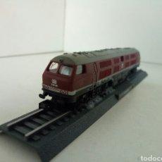 Trenes Escala: LOCOMOTORA ESTATICA V320 001 DE LA DB. Lote 108444656