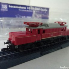 Trenes Escala: LOCOMOTORA ESTATICA DE LA OBB 1020 CO-CO. Lote 98569996