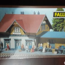Trenes Escala: FALLER ESCALA N 2102 ESTACIÓN BLUMENFELD. Lote 112945504