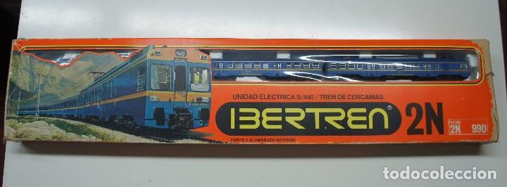 IBERTREN LOCOMOTORA CON 2 VAGONES ,EN CAJA ESCALA 2N .REF 990. (Juguetes - Trenes Escala N - Otros Trenes Escala N)
