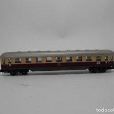 Trenes Escala: VAGÓN PASAJEROS DE LA DB ESCALA N DE MINITRIX CON LUZ . Lote 118624719