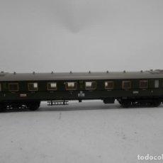 Trenes Escala: VAGÓN PASAJEROS DE LA DB ESCALA N DE MINITRIX CON LUZ . Lote 133826266