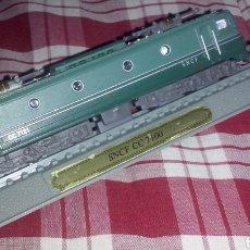 Trenes Escala: EDICIONES DEL PRADO LOCOMOTORA ESTÁTICA SNCF CC 7100 ALSTHOM 1950 TREN REAL ELÉCTRICO EJES MOTRICES.. Lote 150715970