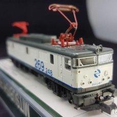Trenes Escala: KATO N REF: 137-1305 - LOCOMOTORA ELÉCTRICA RENFE 269-248-1. Lote 151898638