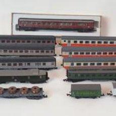 Trenes Escala: EXCEPCIONAL LOTE DE LOCOMOTORAS Y VAGONES. VARIAS MARCAS. ESC N. CIRCA 1970.. Lote 153828938