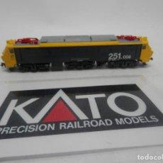 Trenes Escala: LOCOMOTORA ELECTRICA 251.008 ESCALA N DE KATO . Lote 156763306