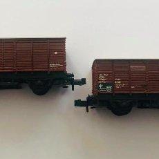 Trenes Escala: MINITRIX N 13253. 2 VAGONES DE CARGA CERRADOS DB ALEMAN ÉPOCA III.. Lote 157801106