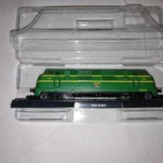 Trenes Escala: LOCOMOTORA 4000 RENFE ESCALA N CLUB INTERNACIONAL DEL LIBRO NUEVA. Lote 163490710