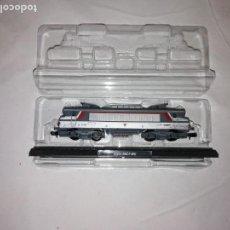 Trenes Escala: LOCOMOTORA 22200 SCNF B'B' ESCALA N CLUB INTERNACIONAL DEL LIBRO NUEVA. Lote 163491046