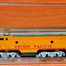 Trenes Escala: LOCOMTORA DIESEL N F7 1400 UNION PACIFIC DE LIFE-LIKE. ESCALA N, COMPATIBLE CON IBERTREN.. Lote 169453180