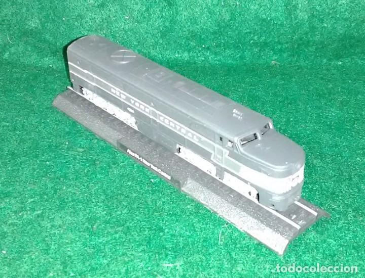 Trenes Escala: LOTE OFERTA - LOCOMOTORA ESTÁTICA DE COLECCION - NUEVA EN SU BLISTER - ESCALA N 1:160 - Foto 2 - 180435200