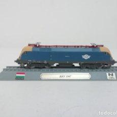 Trenes Escala: LOCOMOTORA MAV 1047 ESCALA N HUNGRÍA COLECCIÓN DEL PRADO NUEVA. Lote 192045277