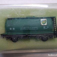 Trenes Escala: PECO VAGON CISTERNA BP VERDE ESCALA N EN BLISTER SIN USO. Lote 195152200